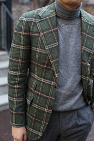 Как и с чем носить: оливковый шерстяной пиджак в клетку, серая водолазка, серые шерстяные классические брюки