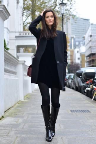 Как и с чем носить: черное пальто, черная водолазка, черные джинсы скинни, черные кожаные сапоги