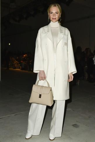 Как и с чем носить: белое пальто, белая водолазка, белые широкие брюки, белые кожаные ботильоны