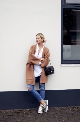 Мода и трендыКоричневое женское пальто