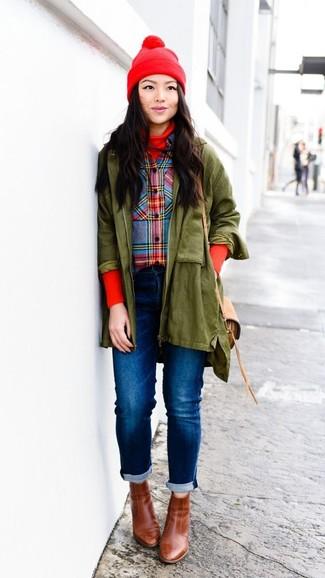 Модный лук: Оливковая парка, Красная водолазка, Разноцветная классическая рубашка в шотландскую клетку, Синие джинсы