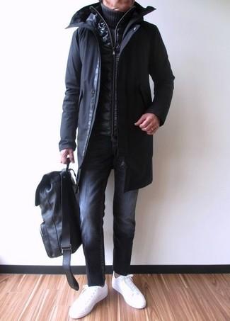 Как и с чем носить: черная парка, черная стеганая куртка без рукавов, темно-синяя вязаная водолазка, черные джинсы