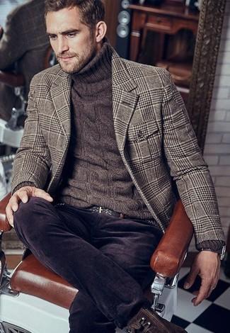 """Как и с чем носить: коричневый шерстяной пиджак с рисунком """"гусиные лапки"""", темно-коричневая вязаная водолазка, темно-коричневые вельветовые джинсы, темно-коричневые кожаные повседневные ботинки"""