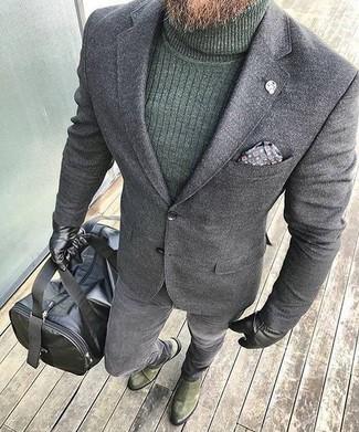 Как и с чем носить: серый шерстяной пиджак, темно-зеленая водолазка, серые зауженные джинсы, оливковые замшевые ботинки челси