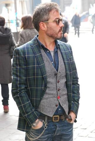 Как и с чем носить: темно-сине-зеленый пиджак в шотландскую клетку, серый шерстяной жилет, темно-синяя джинсовая рубашка, серая футболка с круглым вырезом