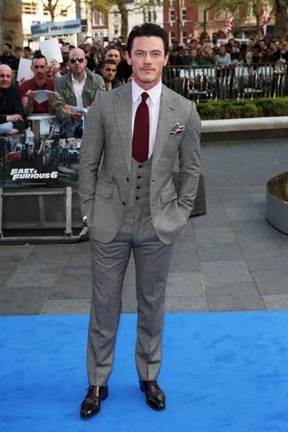 пиджак жилет классическая рубашка классические брюки туфли дерби галстук нагрудный платок large 843