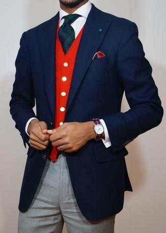 Красно-темно-синие часы в горизонтальную полоску: с чем носить и как сочетать мужчине: Если у тебя планируется насыщенный день, сочетание темно-синего шерстяного пиджака и красно-темно-синих часов в горизонтальную полоску позволит создать комфортный образ в стиле casual.