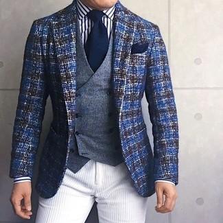 Как и с чем носить: синий твидовый пиджак, серый шерстяной жилет в шотландскую клетку, бело-черная классическая рубашка в вертикальную полоску, белые вельветовые брюки чинос
