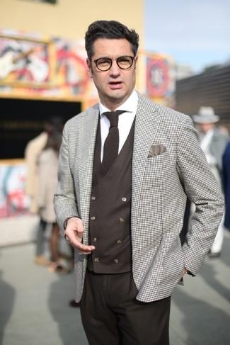 Как и с чем носить: бежевый пиджак в клетку, темно-коричневый жилет, белая классическая рубашка, темно-коричневые классические брюки
