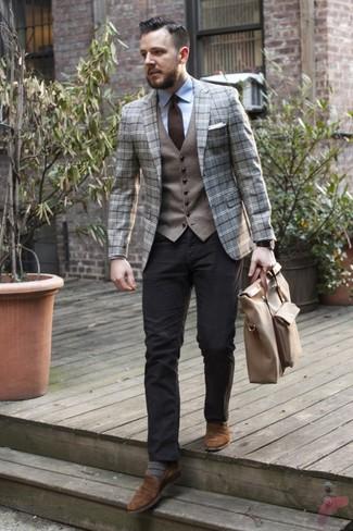 Как и с чем носить: серый шерстяной пиджак в шотландскую клетку, серый шерстяной жилет, голубая классическая рубашка, черные брюки чинос