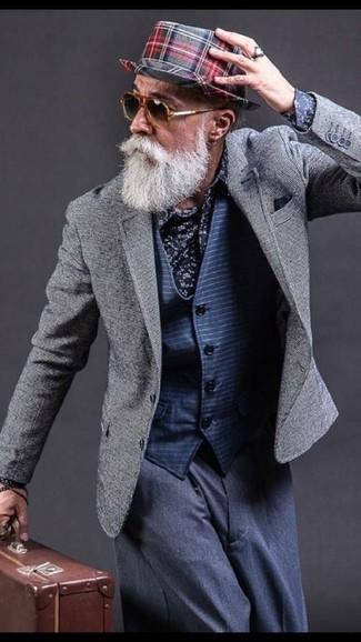 Как и с чем носить: серый пиджак, темно-синий жилет в горизонтальную полоску, темно-синяя классическая рубашка с цветочным принтом, темно-синие классические брюки