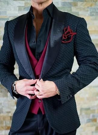Как и с чем носить: черный сатиновый пиджак, красный жилет, черная классическая рубашка, черные классические брюки