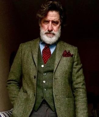 """Как и с чем носить: оливковый шерстяной пиджак с узором """"в ёлочку"""", оливковый шерстяной жилет, голубая классическая рубашка, темно-коричневые шерстяные классические брюки"""