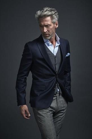 Как и с чем носить: темно-синий пиджак, серый шерстяной жилет, голубая классическая рубашка, серые шерстяные классические брюки