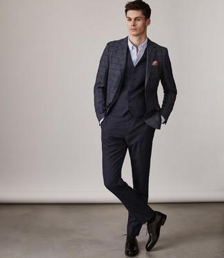 Как и с чем носить: темно-синий шерстяной пиджак в шотландскую клетку, темно-синий жилет, белая классическая рубашка, темно-синие классические брюки