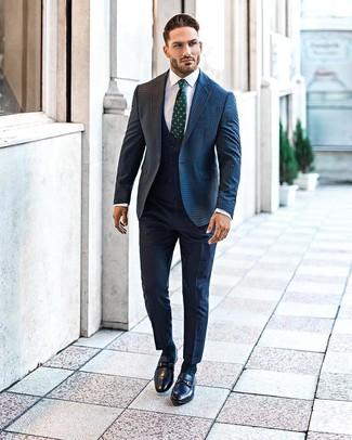 Как и с чем носить: темно-синий шерстяной пиджак в мелкую клетку, темно-синий жилет, белая классическая рубашка, темно-синие классические брюки