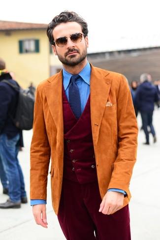 Как и с чем носить: оранжевый замшевый пиджак, темно-красный вельветовый жилет, синяя классическая рубашка из шамбре, темно-красные вельветовые классические брюки