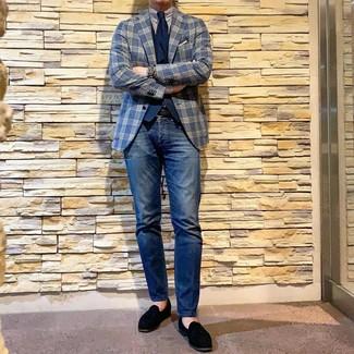 Как и с чем носить: темно-синий пиджак в шотландскую клетку, темно-синий жилет, бело-темно-синяя классическая рубашка в вертикальную полоску, темно-синие джинсы