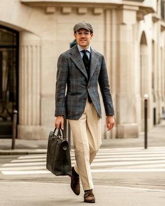 Как и с чем носить: темно-серый шерстяной пиджак в шотландскую клетку, черный жилет, голубая классическая рубашка, бежевые классические брюки