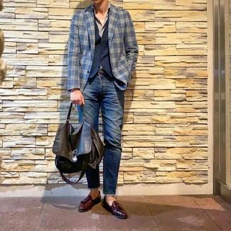 Как и с чем носить: темно-синий пиджак в шотландскую клетку, темно-синий жилет, серая рубашка с длинным рукавом, темно-синие джинсы
