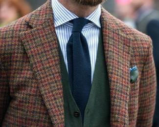 Как и с чем носить: коричневый шерстяной пиджак в мелкую клетку, темно-зеленый кардиган, бело-синяя классическая рубашка в вертикальную полоску, темно-синий вязаный галстук