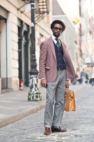 Как и с чем носить: темно-красный пиджак, темно-синий кардиган, белая классическая рубашка, серые шерстяные классические брюки