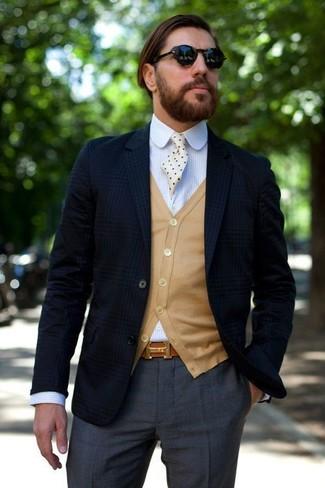 Как и с чем носить: темно-синий пиджак в шотландскую клетку, светло-коричневый кардиган, голубая классическая рубашка в вертикальную полоску, темно-серые классические брюки