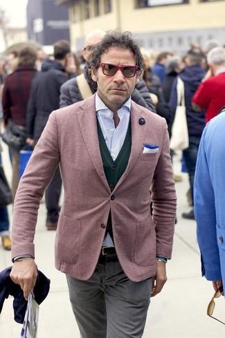 Как и с чем носить: темно-красный пиджак, темно-зеленый кардиган, голубая рубашка с длинным рукавом в вертикальную полоску, серые классические брюки