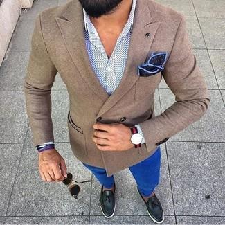 Красно-темно-синие часы в горизонтальную полоску: с чем носить и как сочетать мужчине: Такое лаконичное и комфортное сочетание базовых вещей, как коричневый шерстяной пиджак и красно-темно-синие часы в горизонтальную полоску, полюбится парням, которые любят проводить дни в постоянном движении. Любители экспериментов могут закончить ансамбль черными кожаными лоферами с кисточками, тем самым добавив в него чуточку элегантности.