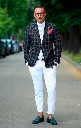 Как и с чем носить: темно-бирюзовый пиджак в клетку, белая классическая рубашка, белые брюки чинос, темно-бирюзовые кожаные лоферы