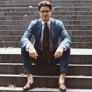 Как и с чем носить: синий пиджак, белая классическая рубашка, темно-синие брюки чинос, коричневые кожаные лоферы