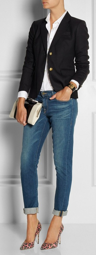 Как и с чем носить: черный пиджак, белая классическая рубашка, синие джинсы скинни, розовые кожаные туфли с леопардовым принтом