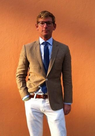 Как и с чем носить: оливковый пиджак, голубая классическая рубашка, белые джинсы, темно-синий галстук