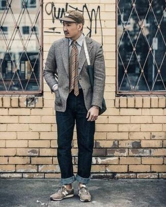С чем носить золотой браслет мужчине: Если в одежде ты делаешь ставку на комфорт и практичность, серый пиджак в шотландскую клетку и золотой браслет — классный вариант для привлекательного мужского ансамбля на каждый день. В тандеме с этим луком наиболее выигрышно будут выглядеть коричневые кроссовки.