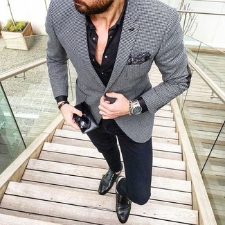 """Модный лук: черно-белый пиджак с рисунком """"гусиные лапки"""", черная классическая рубашка, темно-синие зауженные джинсы, черные кожаные монки с двумя ремешками"""