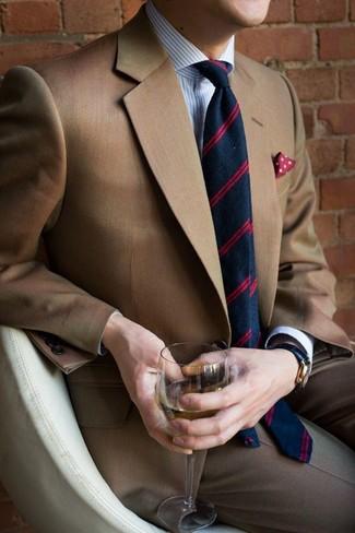 Как и с чем носить: коричневый пиджак, бело-синяя классическая рубашка в вертикальную полоску, серые классические брюки, темно-синий галстук в горизонтальную полоску