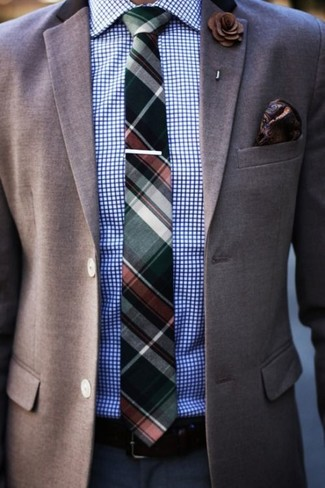 Как и с чем носить: коричневый пиджак, бело-синяя классическая рубашка в клетку, темно-синие классические брюки, темно-зеленый галстук в шотландскую клетку
