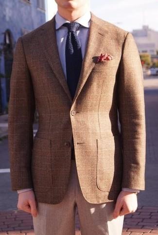 Как и с чем носить: коричневый пиджак в шотландскую клетку, светло-фиолетовая классическая рубашка, серые шерстяные классические брюки, темно-синий вязаный галстук