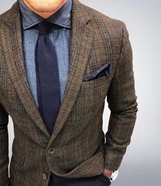 Модный лук: Коричневый шерстяной пиджак в шотландскую клетку, Темно-синяя классическая рубашка из шамбре, Темно-синие классические брюки, Темно-синий вязаный галстук