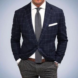 Модный лук: Темно-синий пиджак в клетку, Белая классическая рубашка, Серые шерстяные классические брюки, Серый вязаный галстук