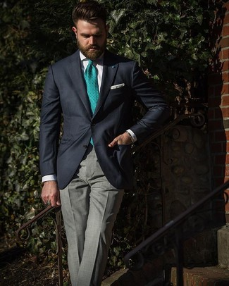 Как и с чем носить: темно-синий пиджак, белая классическая рубашка, серые классические брюки в шотландскую клетку, зеленый галстук с принтом