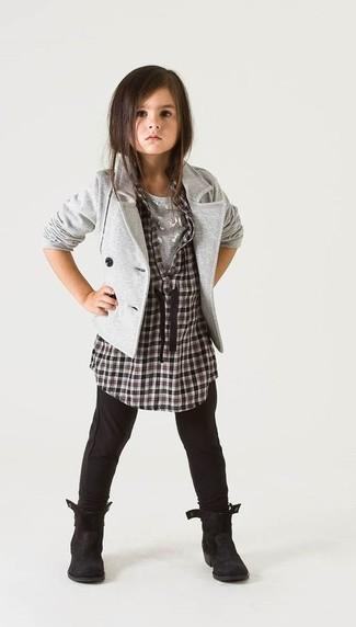Как и с чем носить: серый пиджак, черно-белая классическая рубашка в клетку, серая футболка, черные леггинсы