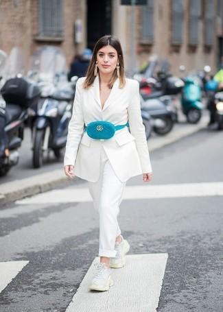 a06b427c9253 Как носить бело-фиолетовый пиджак с бело-синими классическими ...