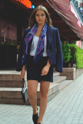 Пиджак с мини юбкой