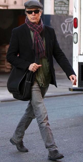Как и с чем носить: черный шерстяной пиджак, оливковая рубашка с длинным рукавом, серые джинсы, темно-коричневые замшевые туфли дерби