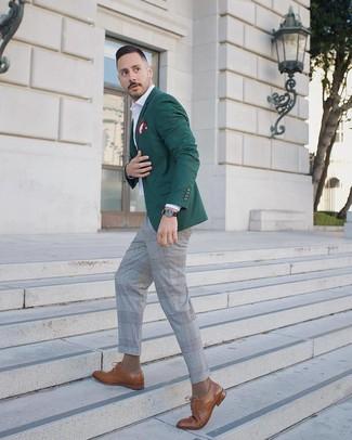 Как и с чем носить: темно-зеленый пиджак, белая рубашка с длинным рукавом, серые классические брюки в шотландскую клетку, коричневые кожаные туфли дерби