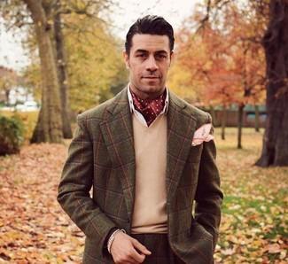 Как и с чем носить: темно-коричневый пиджак в шотландскую клетку, светло-коричневый свитер с v-образным вырезом, белая классическая рубашка, коричневые классические брюки в шотландскую клетку