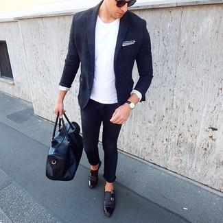 Как и с чем носить: темно-синий шерстяной пиджак в шотландскую клетку, белая футболка с круглым вырезом, темно-синие зауженные джинсы, черные кожаные монки с двумя ремешками