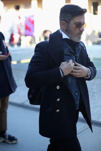 Как и с чем носить: черное полупальто, темно-синяя джинсовая куртка, черная водолазка, белая классическая рубашка