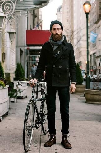 Как и с чем носить: черное полупальто, черные зауженные джинсы, темно-коричневые кожаные повседневные ботинки, черная сумка почтальона из плотной ткани
